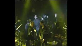 עומר אדם - בלילה קר (מתוך ההופעה בהאנגר 11)